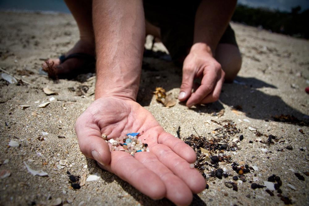Beach-microplastic-©Joe-Dowling.jpg