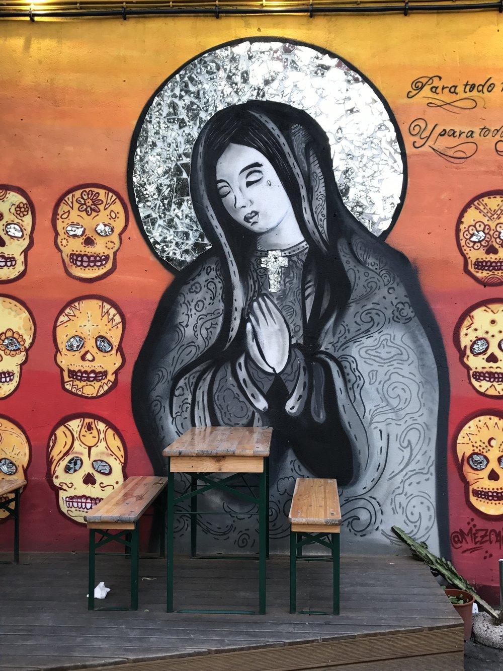 mural in lxfactory