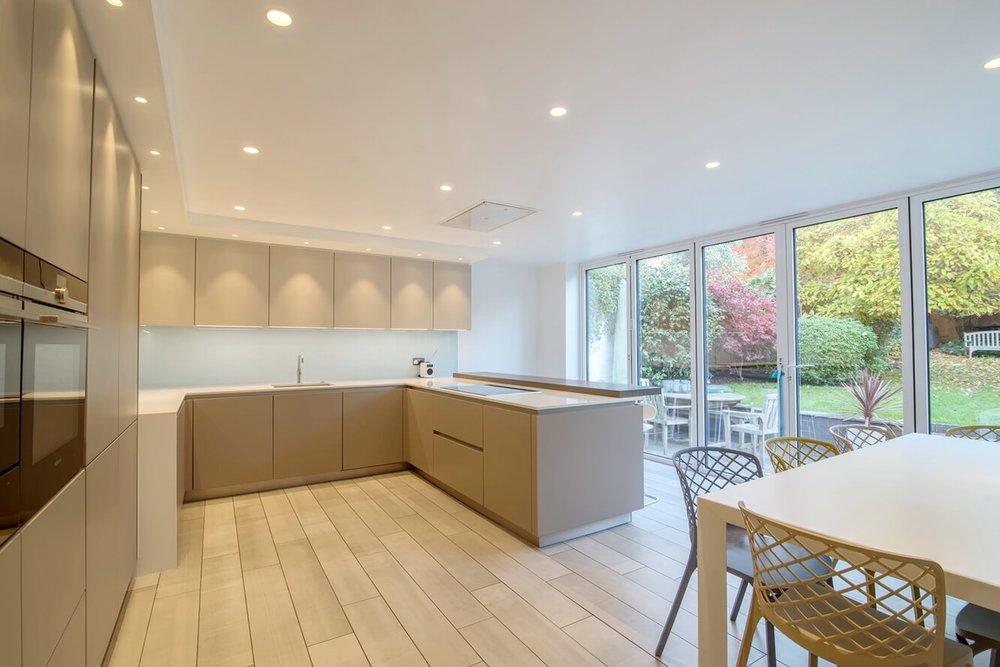 schuller-kitchen-garden-view-london5.jpg