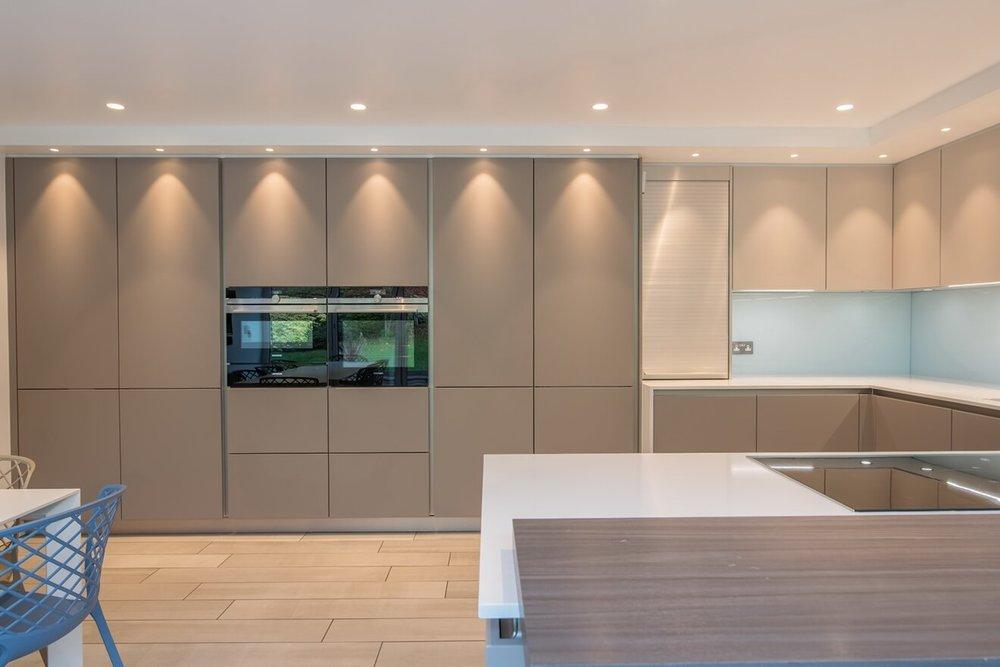 schuller-modern-fitted-kitchen-3.jpg