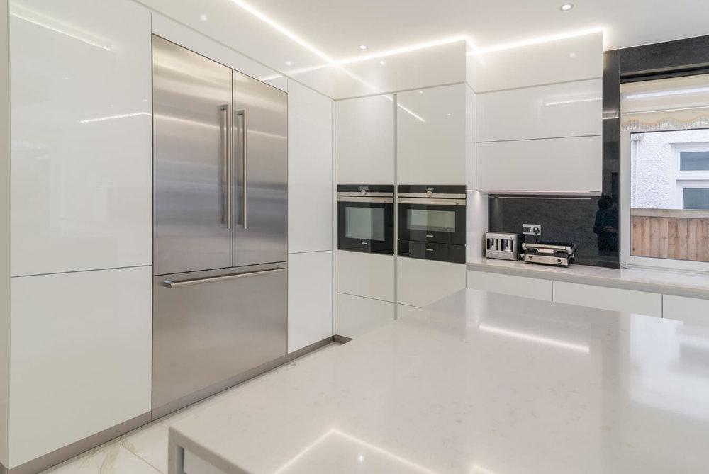 german-modular-fitted-kitchen.jpg