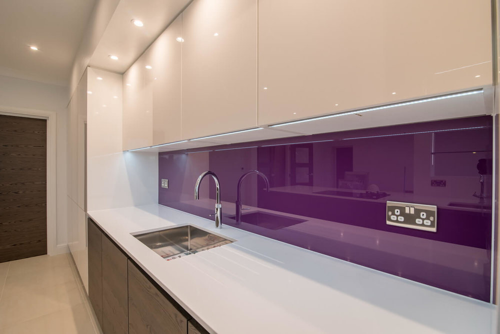 purple-glass-splashback-nobilia-kitchen.jpg