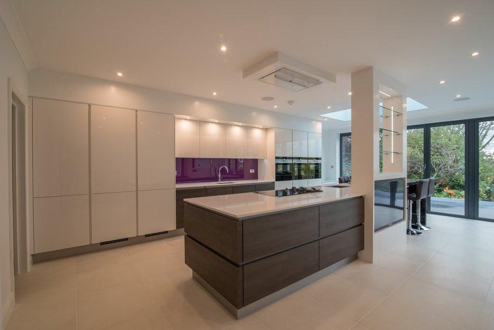 nobilia-german-kitchen-white-gloss.jpg