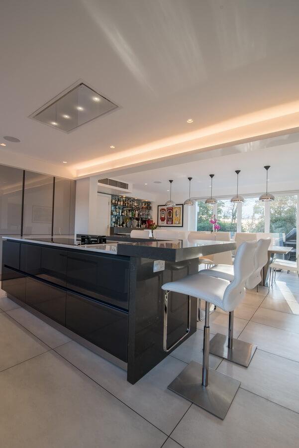 grey-fitted-kitchen-German-London.jpg