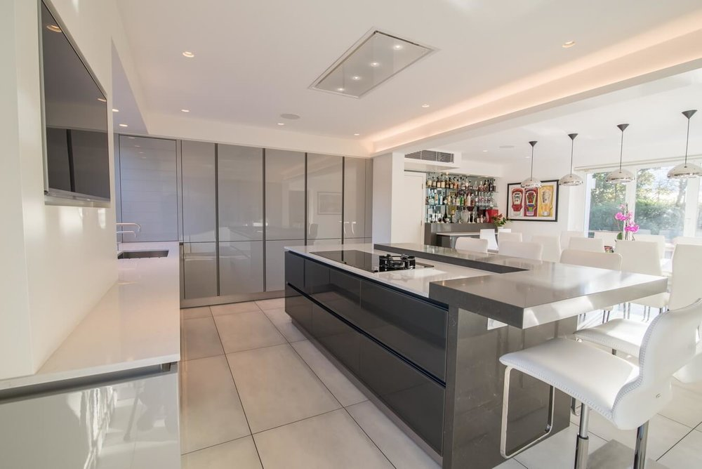 Kitchen Portfolio Moiety Kitchens - Glossy grey kitchen