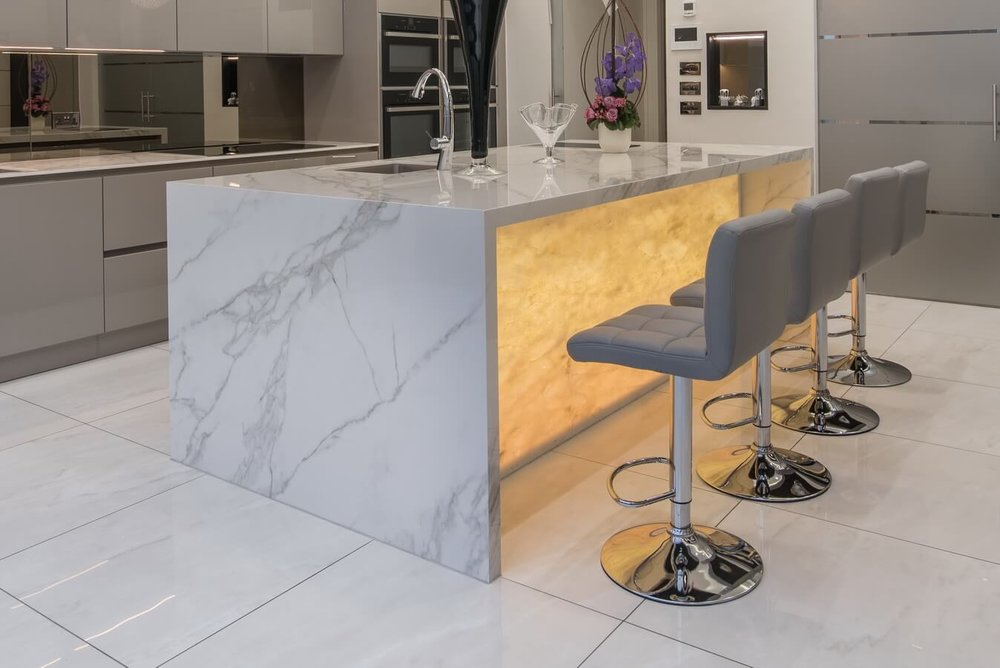 onyx backlit breakfast bar kitchen.jpg