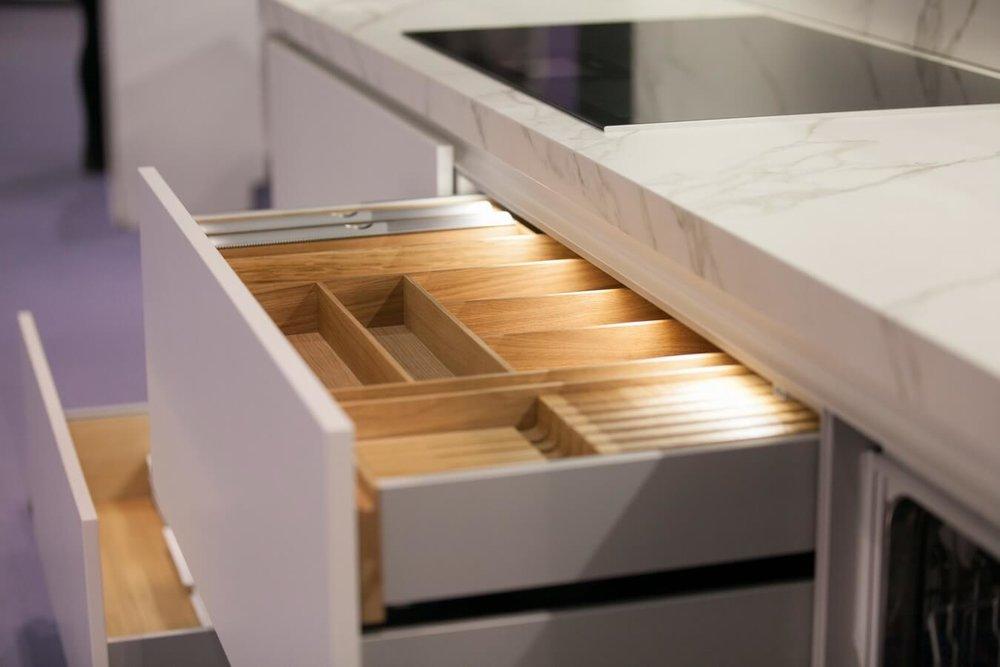 Kitchen-drawers-open-grand-designs-Warendorf.jpg