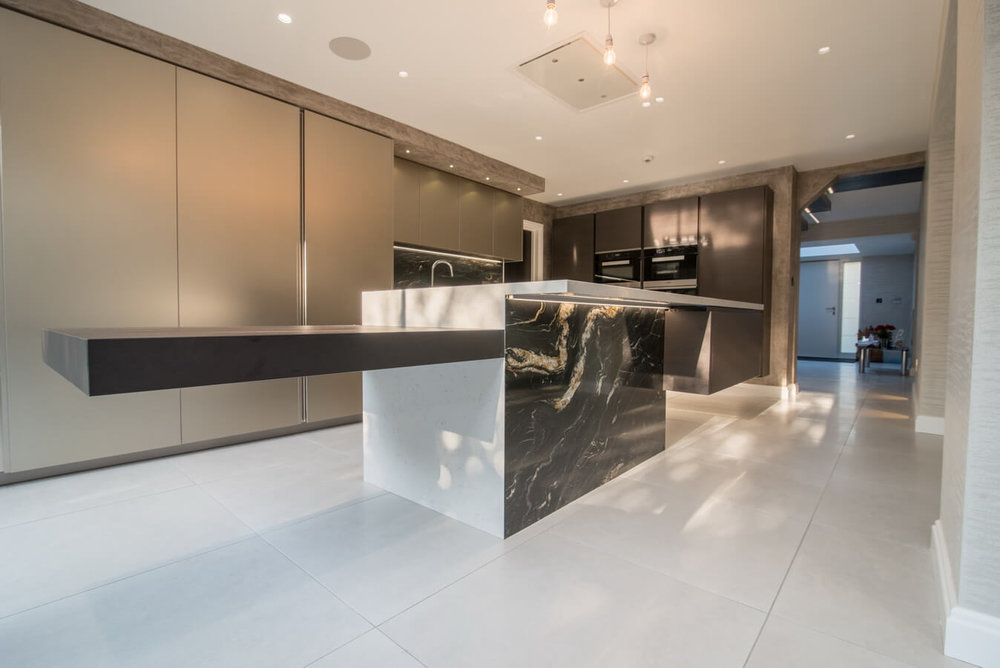floating-breakfast-bar-fitted-kitchen-london_2.jpg