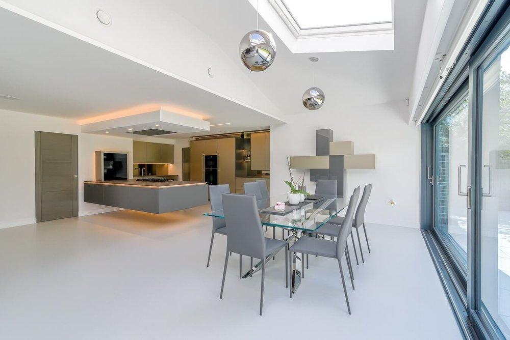 long-view-cantilever-kitchen-peninsula.jpg
