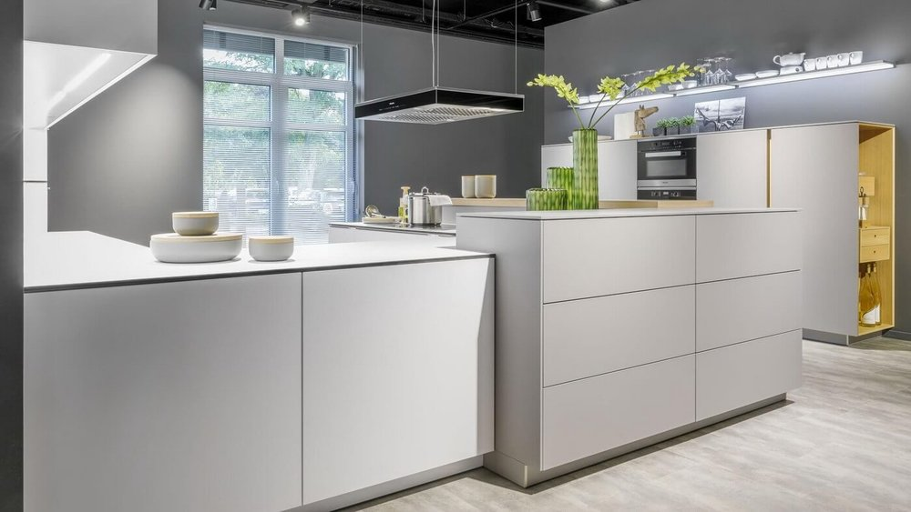 WARENDORF-Light-modern-kitchen.jpg