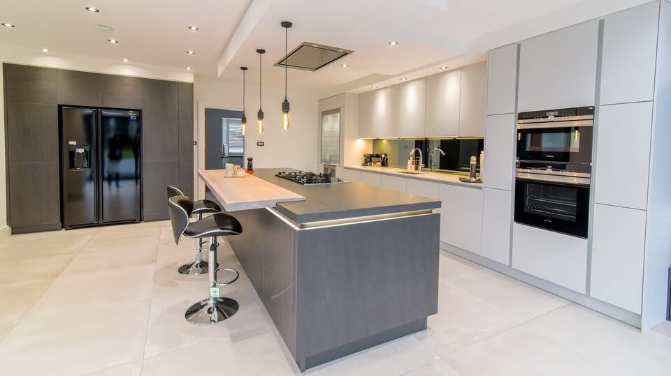 Mirror-Finish-Kitchen-Spalshback-London.jpg
