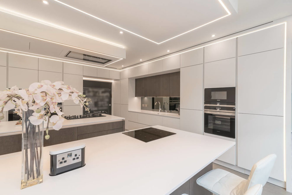 White-Handleless-Kitchen-North-London-Kosher.jpg