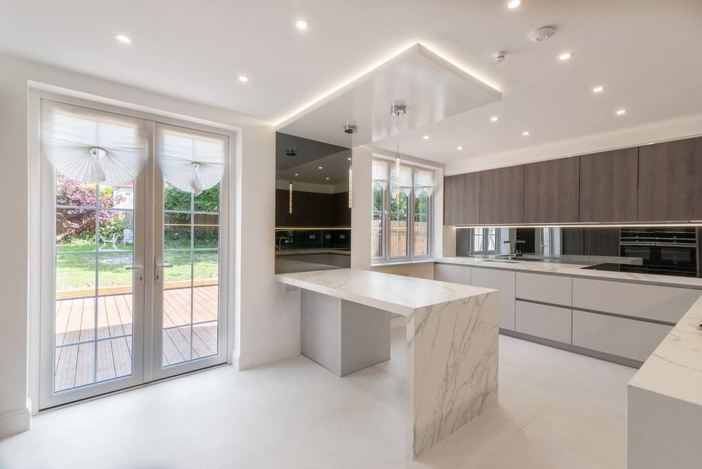 North-London-Schuller-Kosher-Kitchen-Oak.jpg