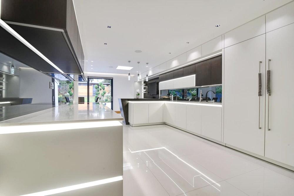 Warendorf-German-Kitchen-White-Led-Handleless.jpg