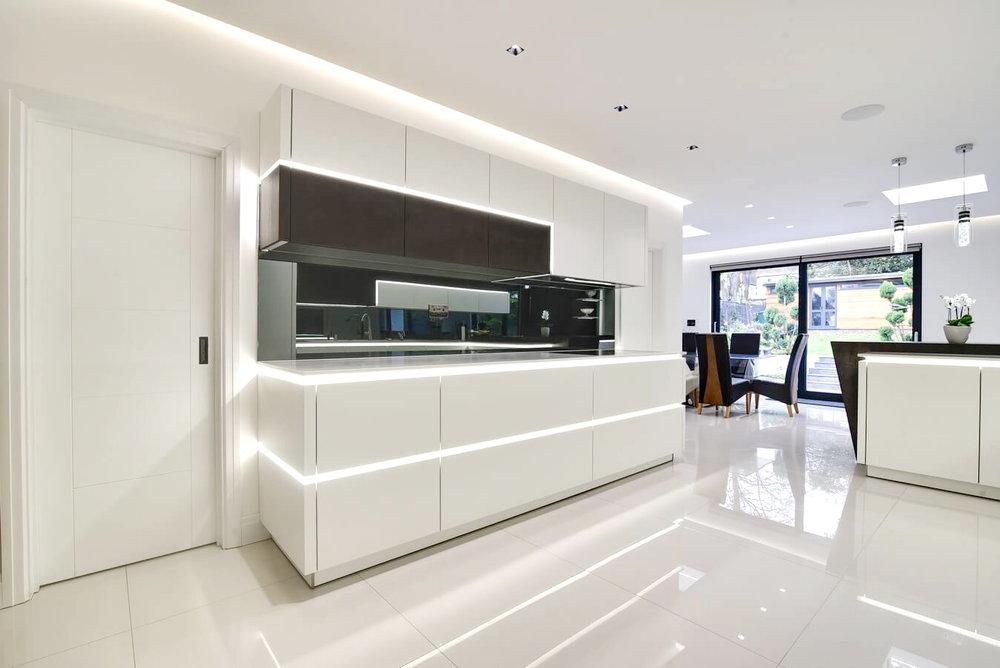 Handleless-white-German-Kitchen-In-North-West-London.jpg