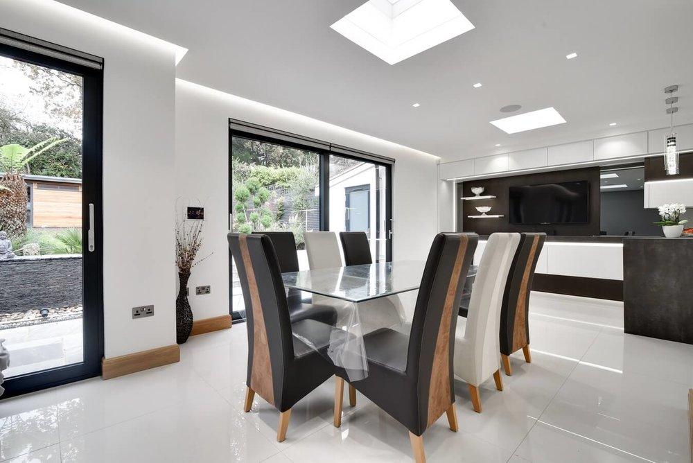 Dining-Kitchen-Area-London-Modern-Kitchen.jpg