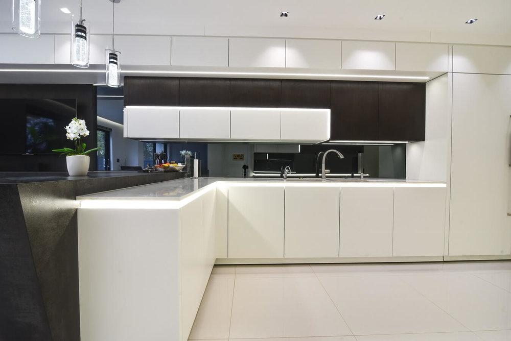White-Modern-Kitchen-North-London.jpg