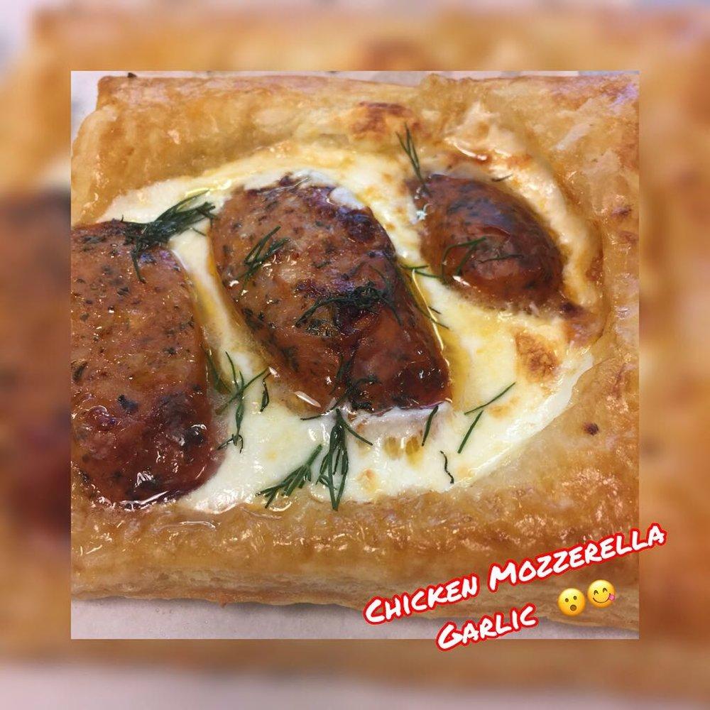 Chicken,Mozzarella#GARLIC#PUFF