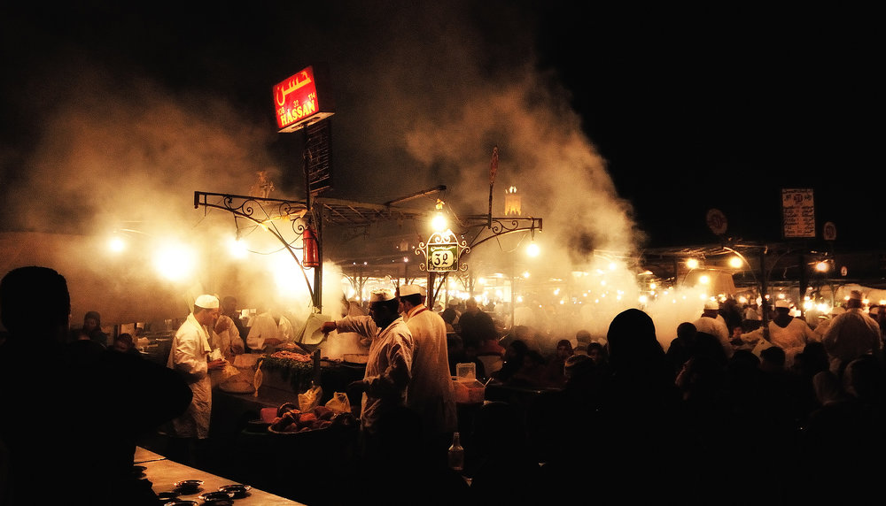 Marrakech   Kitchens at the Jemaa el Fnaa  square in Marrakech at night