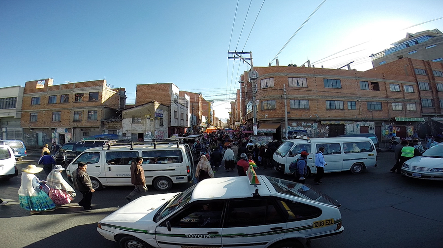 Screen-grab-from-GoPro-video-of-the-bus-passing-through-El-Alto1.jpg