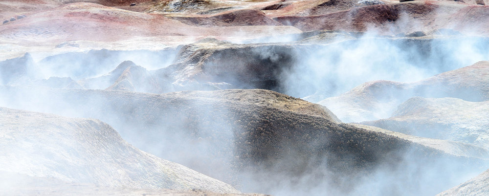 6z-Geysers-and-pools-in-Sol-de-Manana.jpg