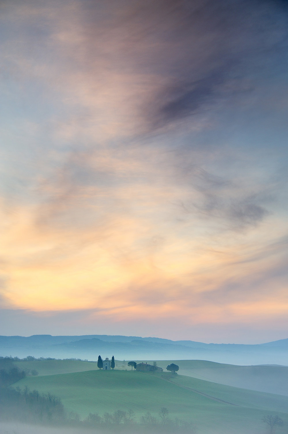 Vitaleta   The picturesque Capella di Vitaleta at dawn