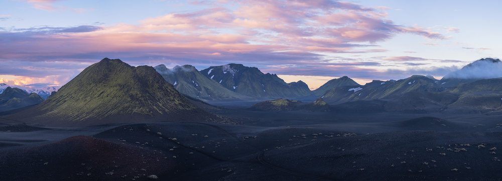 Emstrur Looking east at sunset in the Emstrur region of Iceland's highlands.  From left to right the peaks and ridges are Tuddi, Útigönguhöftar, Stórkonufell, Litla-Mófell, Stóra-Mófell and the Botnar ridge.