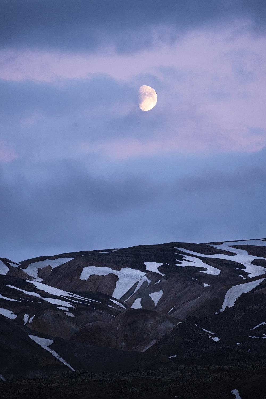 Landmannalaugar moon1.jpg