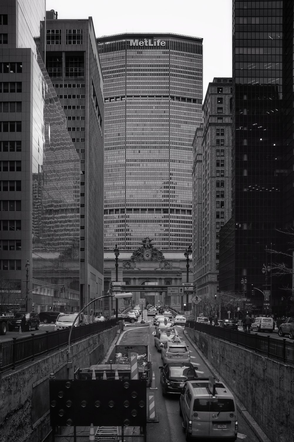 Grand Central Terminal. Met Life Building. Park Avenue. New York City. 2017.
