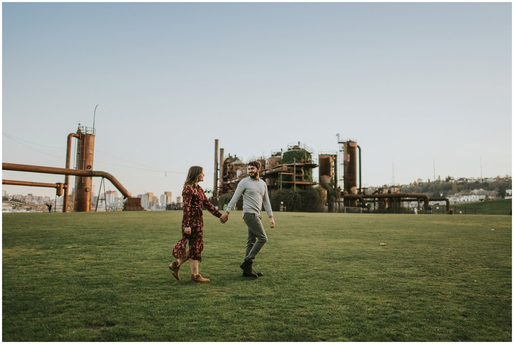 couple walking gas works park | Seattle Engagement Photographer www.riversandroadsphotography.com