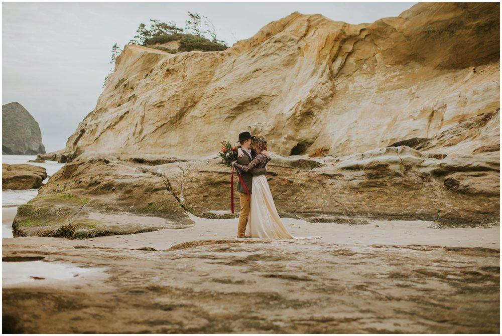 cape-kiwanda-pacific-city-wedding-lisa-mack-66.jpg
