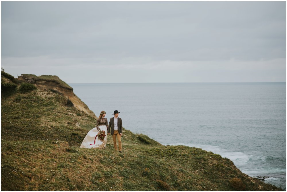 elopement at cape kiwanda | Pacific City Wedding Photographer www.riversandroadsphotography.com