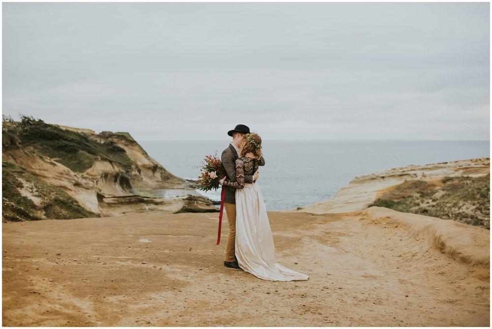 cape-kiwanda-pacific-city-wedding-lisa-mack-135.jpg