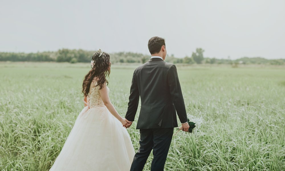Envisioning-your-dream-wedding-outdoors-on-a-farm