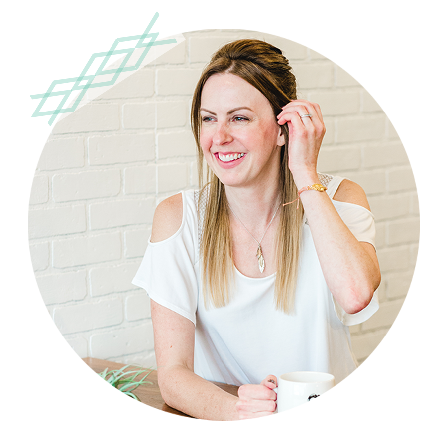 Hi, I'm Erin! I'm the Brand + Web Designer behind EverMint Design Studio. I'm a tech-lovin', gluten-free mama to one sweet girl!