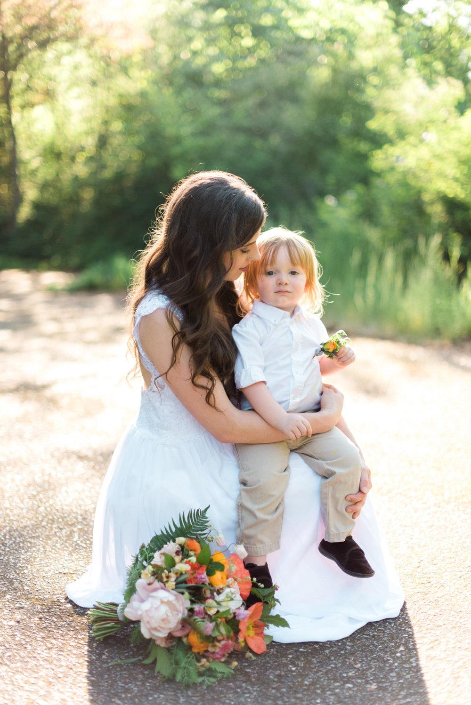 Bellingham_Wedding_Bridal_Shoot_Styled_Mommyandme_034.jpg