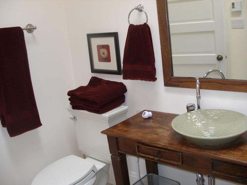 146-10-bath.jpg