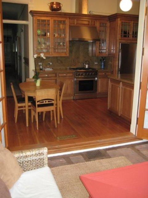 153-06-dining-room.jpg