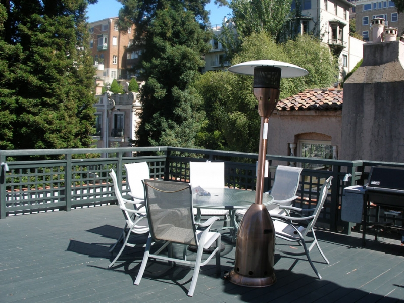 164-10-patio-on-top-floor.jpg