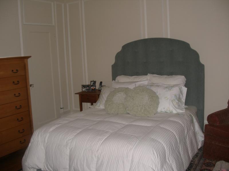 179-05-bedroom-1.jpg