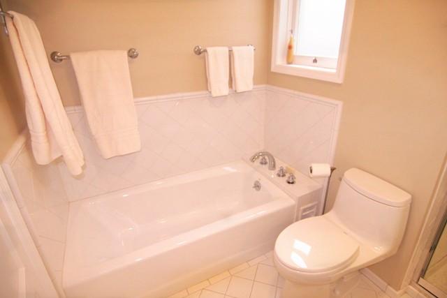 Bathrub.jpg