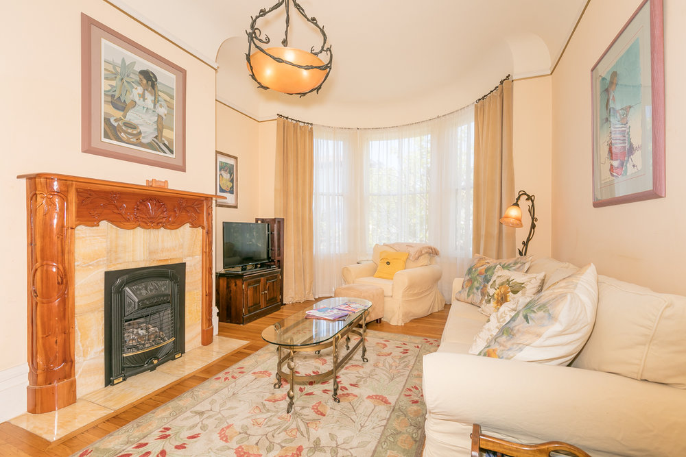 PROPERTY 220   Fully furnished 3 bedroom plus office in Lower Pacific Heights