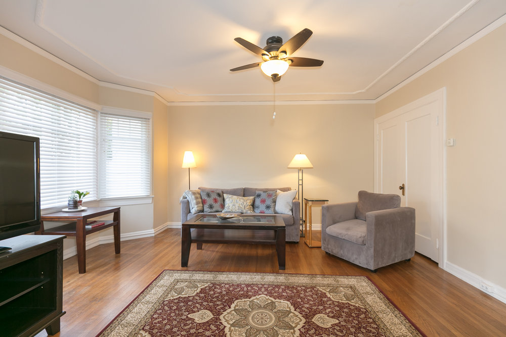 Property 201   Charming one bedroom enjoy staying in Laurel neighborhood