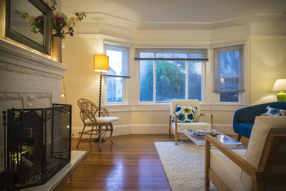 PROPERTY 250   Cozy 2 Bedroom 2 Bath in Cole Valley