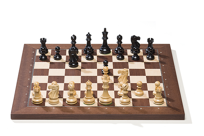 Rosewood board with Classic pieces
