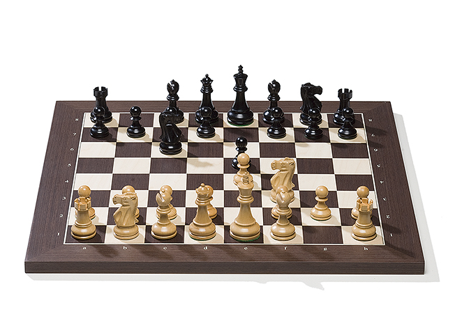 Wengé board with Classic pieces