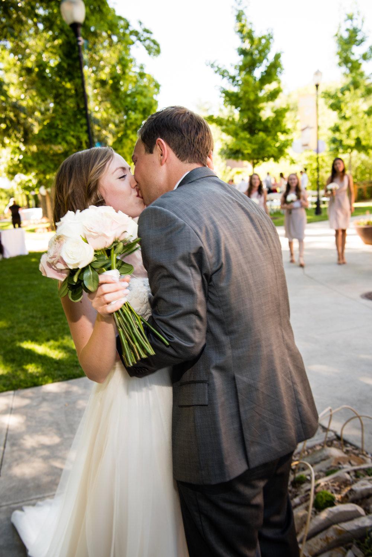tracy-aviary-wedding-811208.jpeg