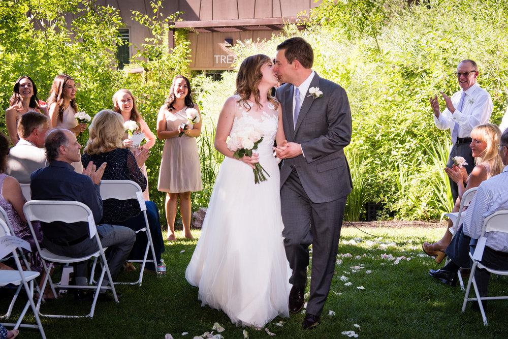 tracy-aviary-wedding-811176.jpeg