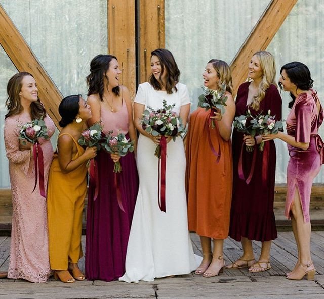 How amazing is this bridesmaid color combo? ❤️ @sundanceresort  Photo @littlebrades  Floral @fleurandstems