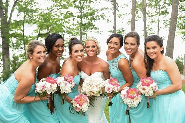 Book your tan for your bridal party today! Our #MistMuse, @sarahjgunn, and her beautiful bridesmaids!